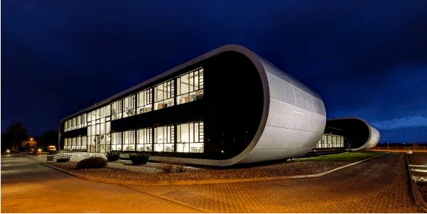 PULS gebouw 's nachts